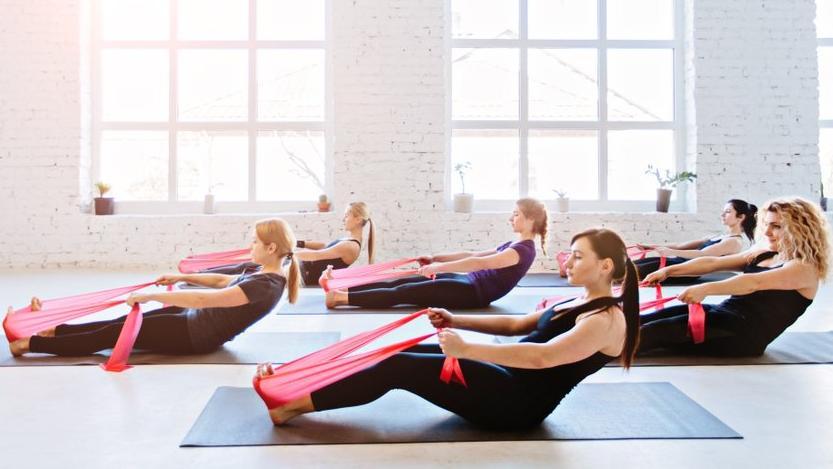 Pilates hareketleri lastikle nasıl yapılır?