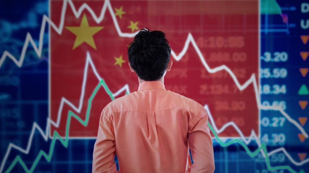 Çin'de kara pazartesi: Bir günde 393 milyar dolar buharlaştı
