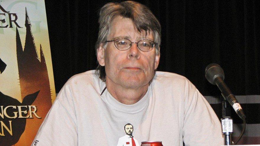 Stephen King, Facebook'u terk etti