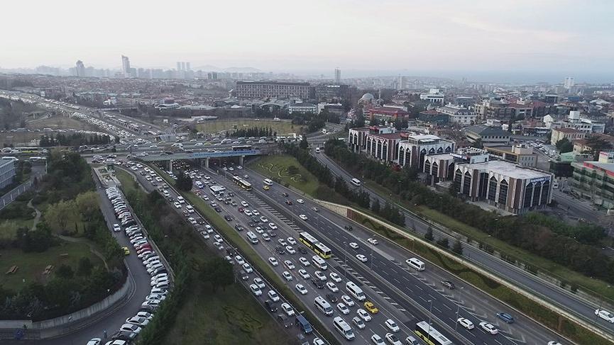Okullar açıldı, trafik yoğunluğu arttı