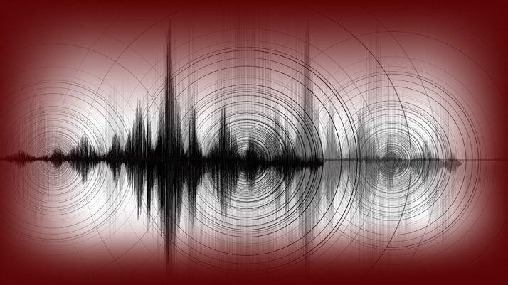 Ege beşik gibi… Manisa'da peş peşe depremler