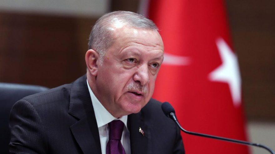 Erdoğan'ın konuşmasının kitaplaştırılarak liselere dağıtılmasına tepkiler büyüyor