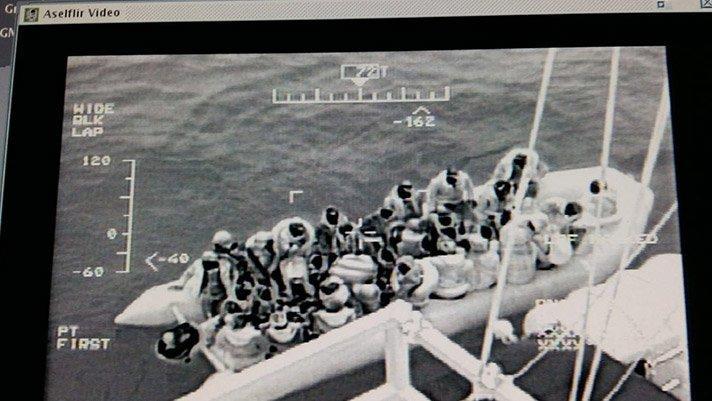 Kuzey Ege'de 43 göçmen kurtarıldı