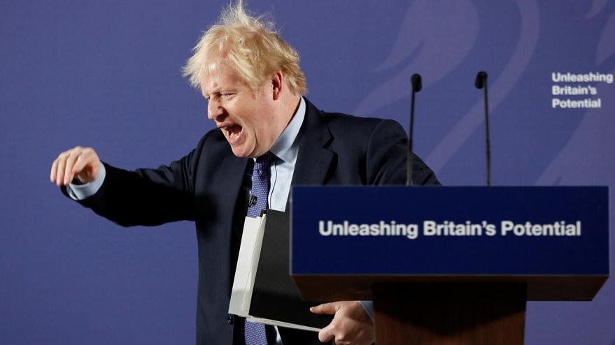 İngiltere'de gazeteci dayanışması: Başbakanın yasağına karşı boykot kararı