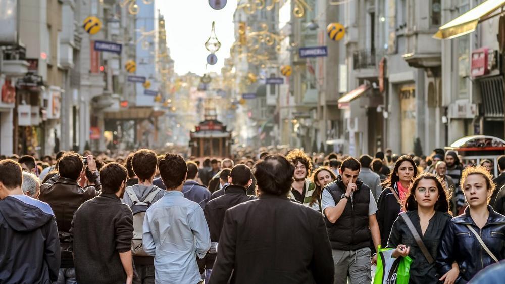 İstanbul'un nüfusunda rekor artış: 451 bin 543
