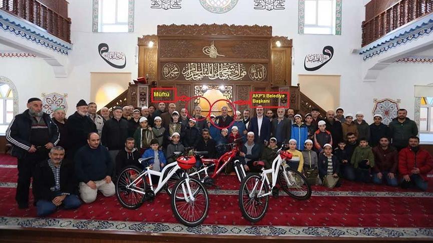 AKP'li belediyeden camide bisiklet şov