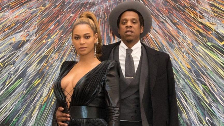 Jay-Z ulusal marş çalarken ayağa kalkmamalarını savundu 'Protesto amaçlı değil' dedi