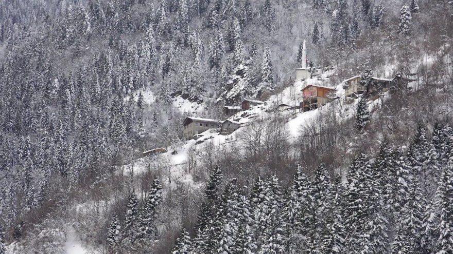 Karadeniz'de kar manzarası