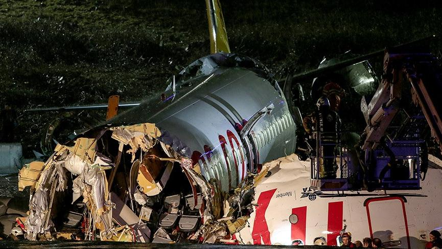 Son dakika... Sabiha Gökçen'de uçak pistten çıktı! 1 ölü 157 yaralı var