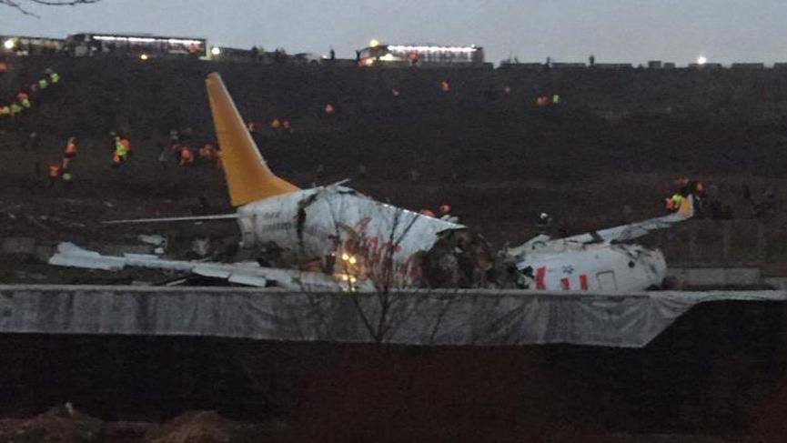 Pistten çıkan uçağın içindeki yaralanan yolcular böyle görüntülendi!