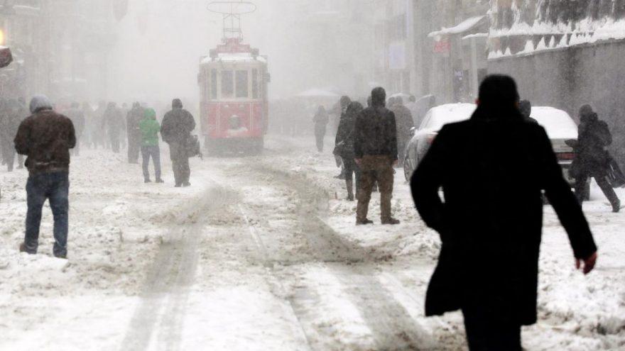İstanbul'da kar için beklenen gün geldi… Hemen bitmeyecek!