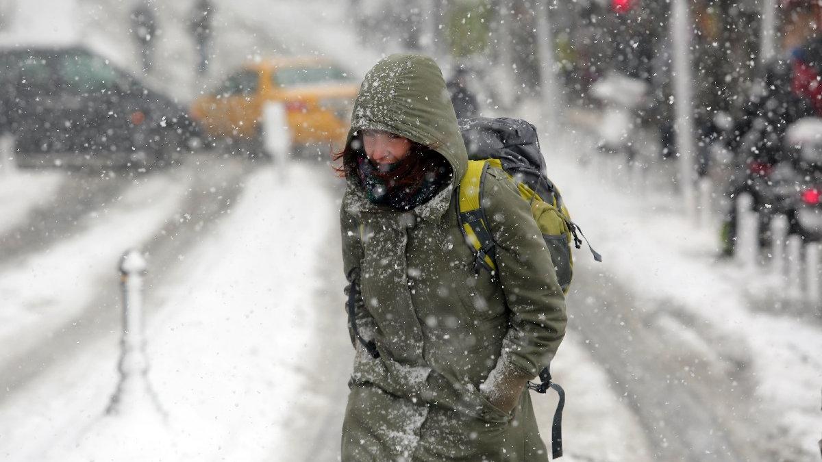 İstanbul ve Ankara'da yarın okullar tatil olacak mı? Ankara Valiliği ve İstanbul Valiliği'nden kar tatili duyurusu geldi mi?