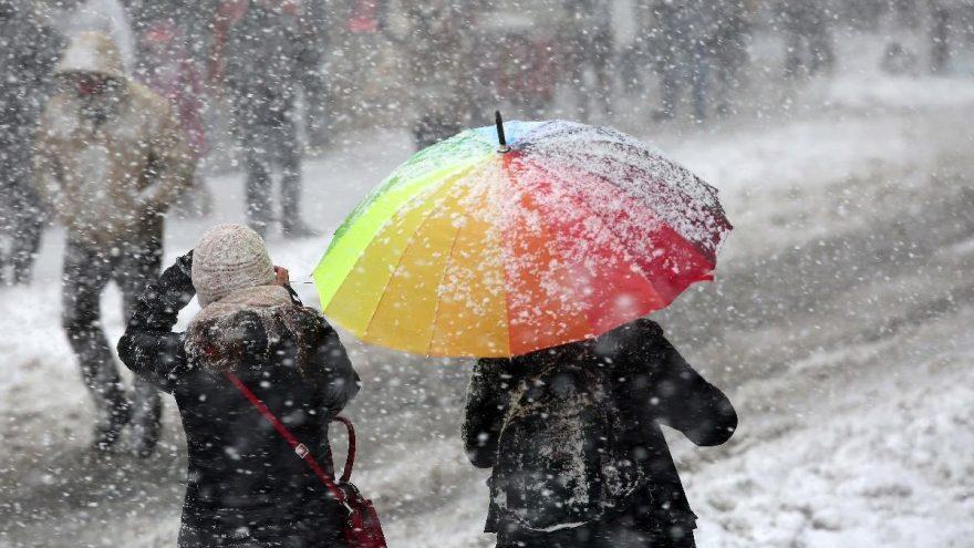 Okullar tatil mi? Kar ve rüzgar okulları tatil etti… 6 Şubat kar tatili olan iller!