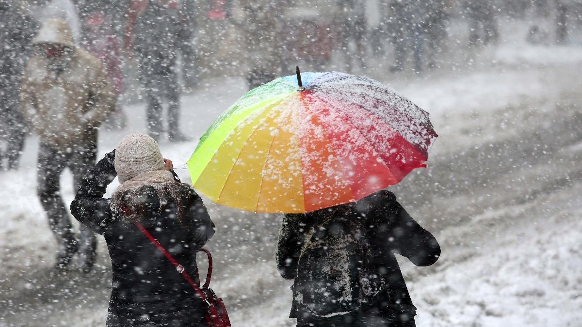 Kar ve rüzgar okulları tatil etti... 6 Şubat kar tatili olan iller!