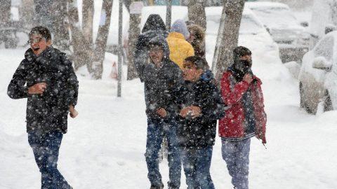 Ankara'da yarın okullar tatil mi? Ankara Valiliği'nden kar tatili açıklaması var mı?