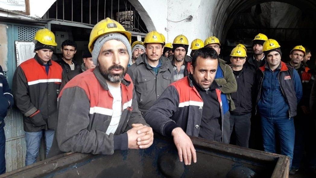 Maaşlarını alamayan madenciler iş bıraktı: 'Ölünce mi yetkililer gelecek!'