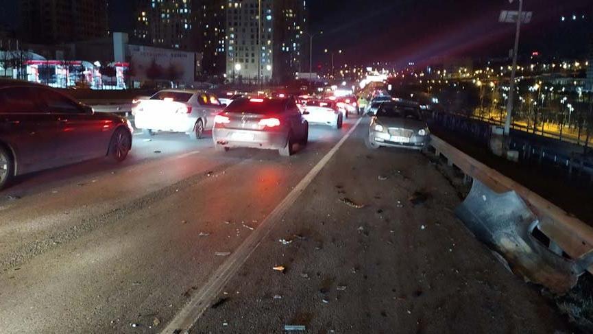 Makas atan otomobil kazaya neden oldu: 3 yaralı