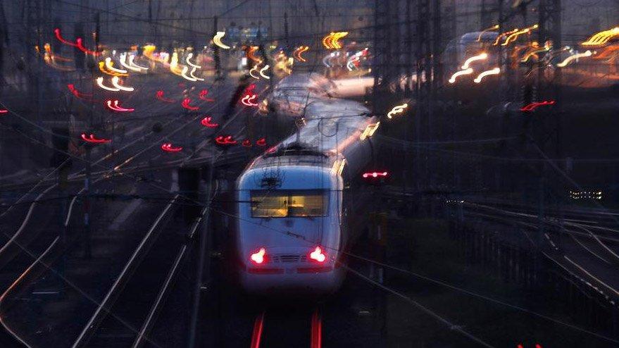 Sabine, Almanya'yı vurdu! Tren seferleri iptal edildi