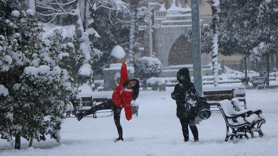 Yarın okullar tatil mi? On beş şehirde okullara kar tatili
