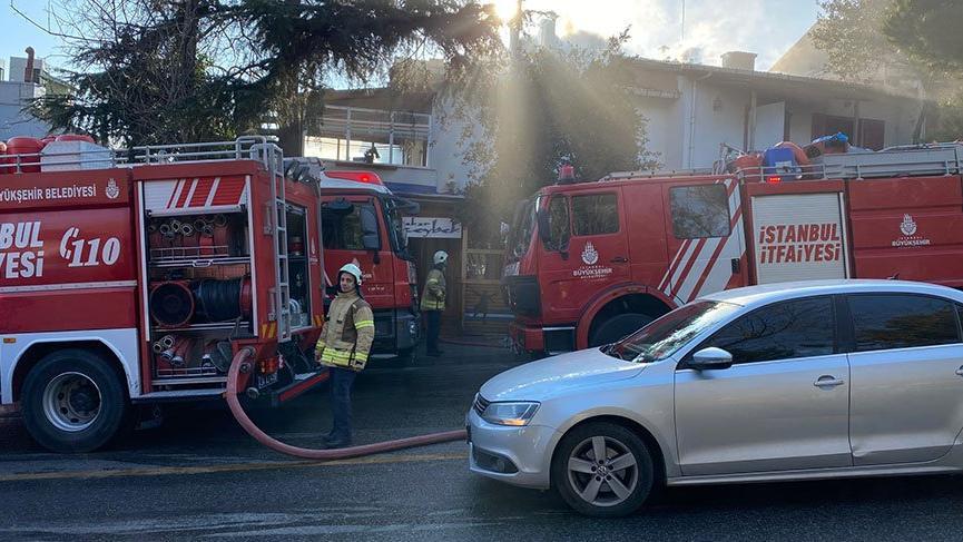 İstanbul'da kafe yangını!