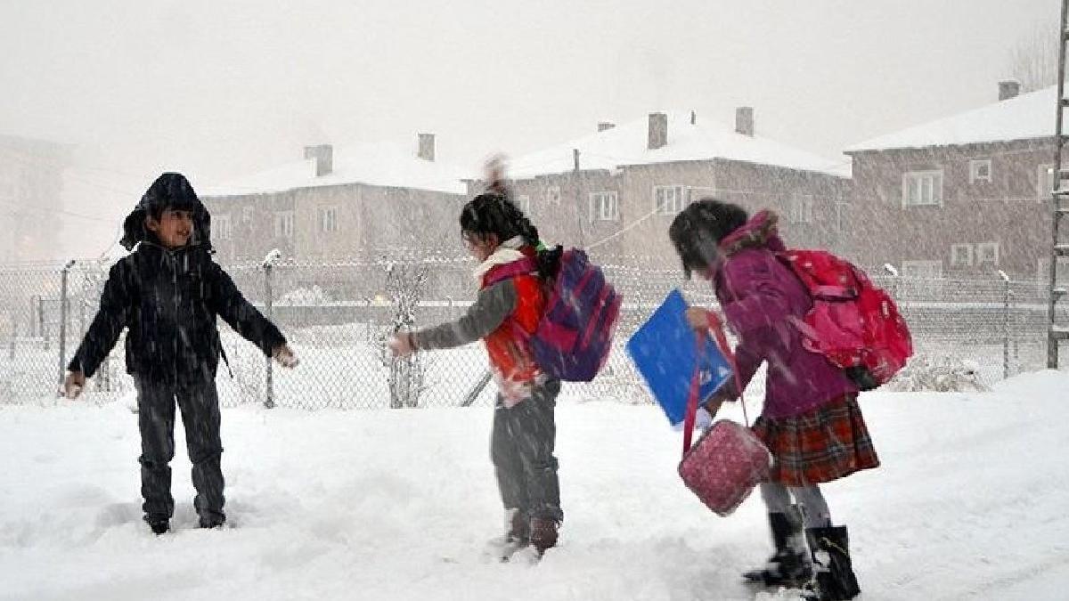 Okullar tatil mi? 10 Şubat'ta kar tatili ilan edilen iller...