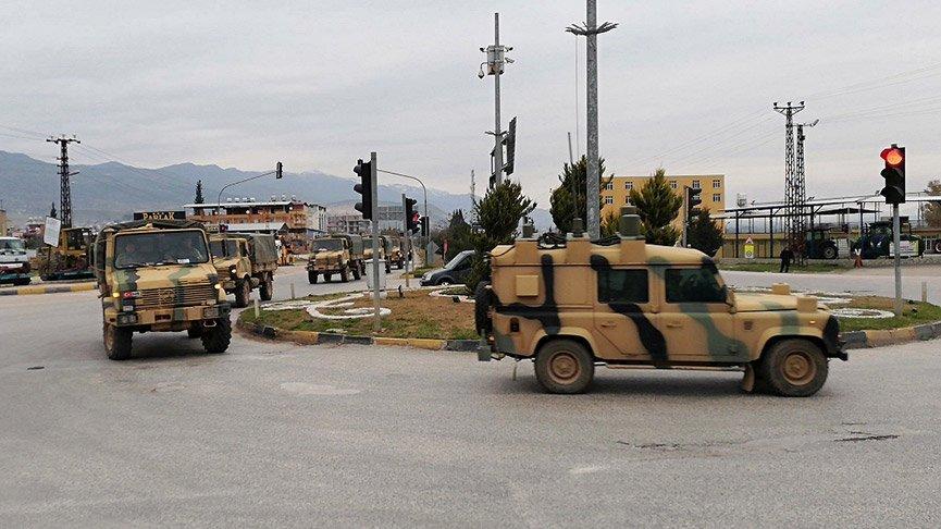 Suriye sınırına çok sayıda komando ve mühimmat gönderildi!