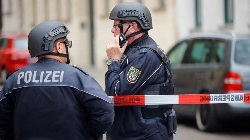 Almanya'da 3 camide bomba alarmı!