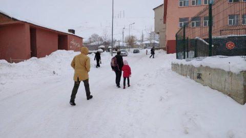 Rize'de yarın okullar tatil mi? Rize Valiliği'nden kar tatili açıklaması!