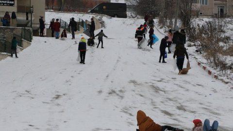 Siirt'te yarın (14 Şubat) okullar tatil mi? Siirt Valiliği'nden kar tatili açıklaması
