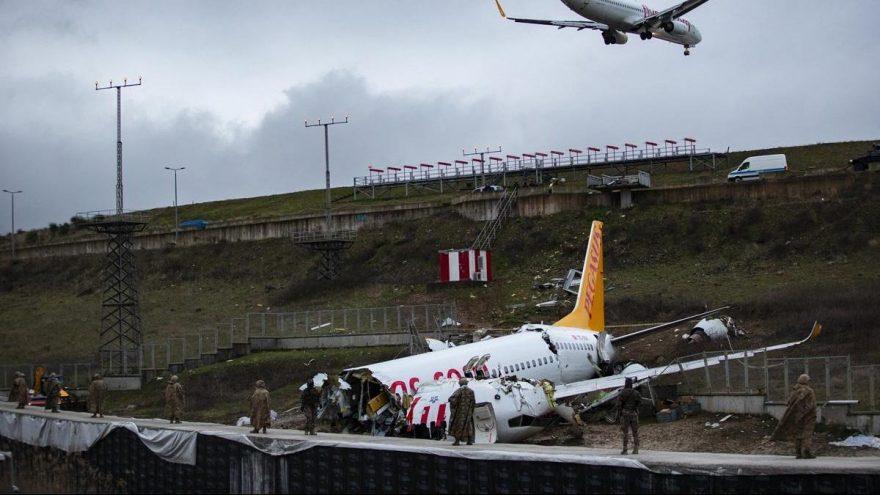 Kaza yapan uçaktaki kabin görevlileri şikayetçi olmadı