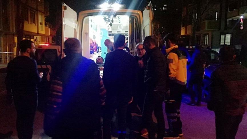 Beylikdüzü'nde sokak ortasında bir kişiye ve aracına silahlı saldırı!