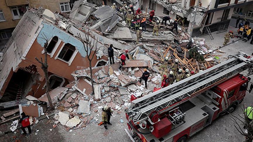 Bahçelievler'de çöken binanın çevresindeki 5 bina boşaltıldı!