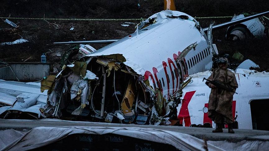 Yardımcı pilot : Kule 'pas geç' demedi