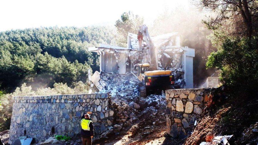 Bodrum'daki kaçak yapılar yıkıldı