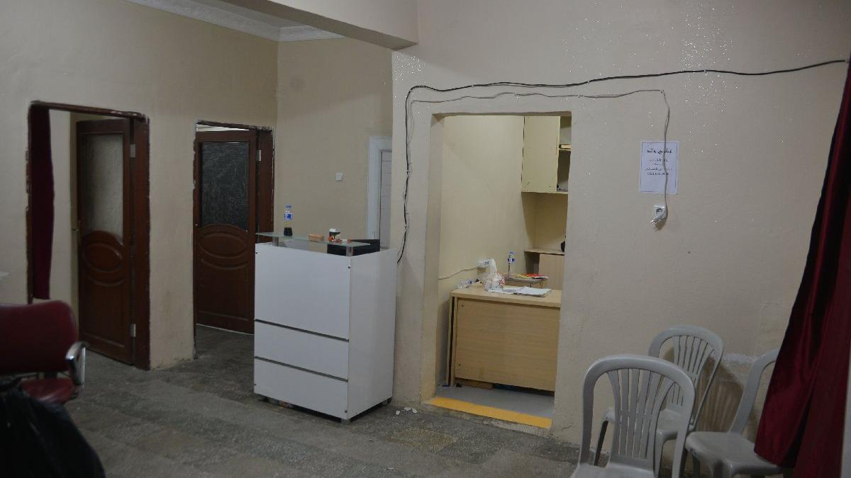 Gizli düzeneklerle dolu kaçak hastaneye baskın