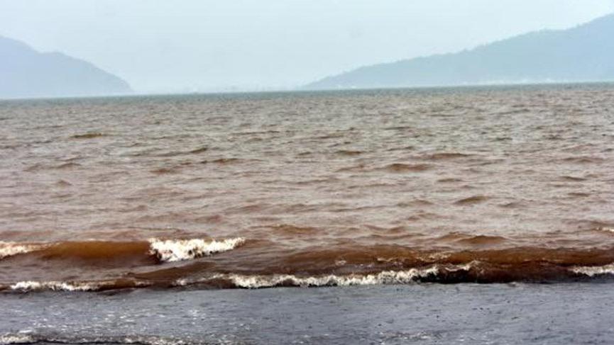 Marmaris'de deniz çamura dönmüştü…