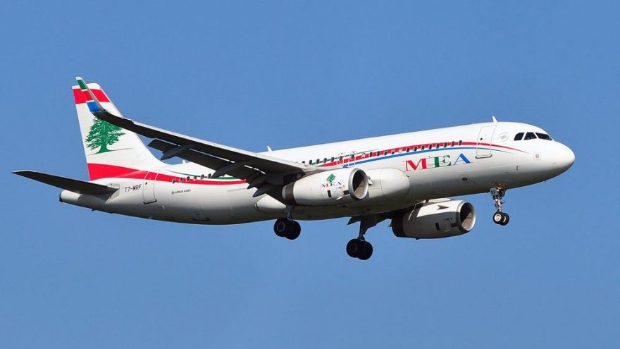 Lübnan'da uçak bileti artık sadece dolarla alınabilecek