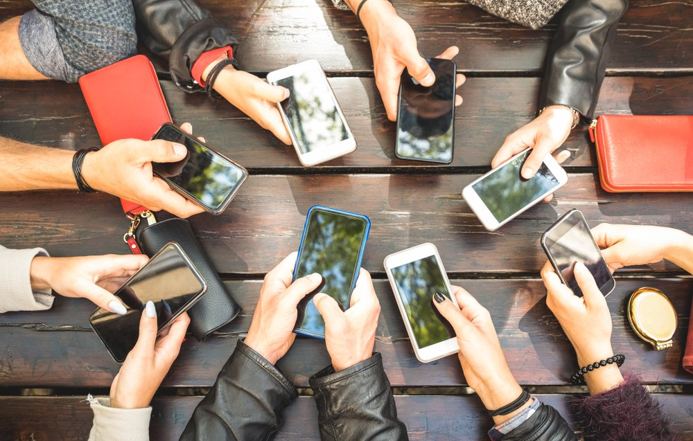 Akıllı telefonların akıl almaz zararı!