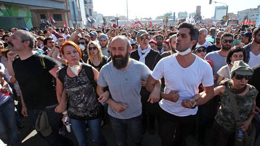 Sanatçılardan Gezi Parkı Davası'ndaki beraat kararlarıyla ilgili çarpıcı mesajlar