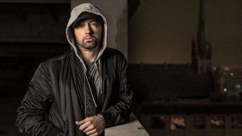 Eminem üçüncü kez bir milyar barajını aştı