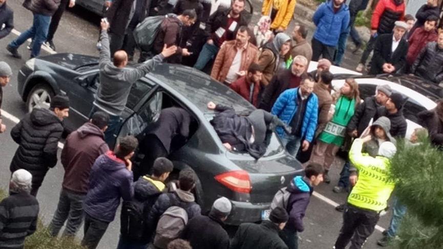 Diyarbakır'da korkunç kaza! Ön camına çarptı, takla atarak arka camdan içeri girdi