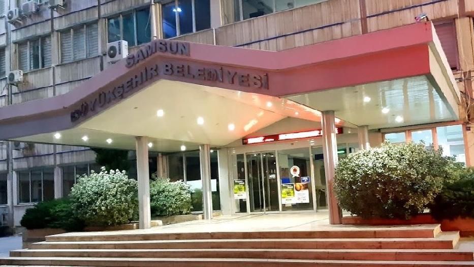 AKP'li belediye, 30 aracı 3 aylığına 988 bin TL'ye kiraladı