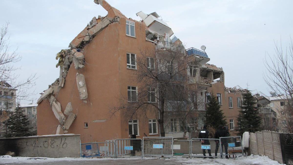 Depremzedelerden beş bine yakın dilekçe: Binamızdaki hasar az gösterildi