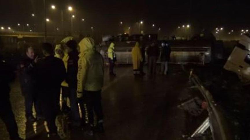 Kimyasal madde yüklü tanker devrildi! İtfaiye ve AFAD ekipleri sevk edildi