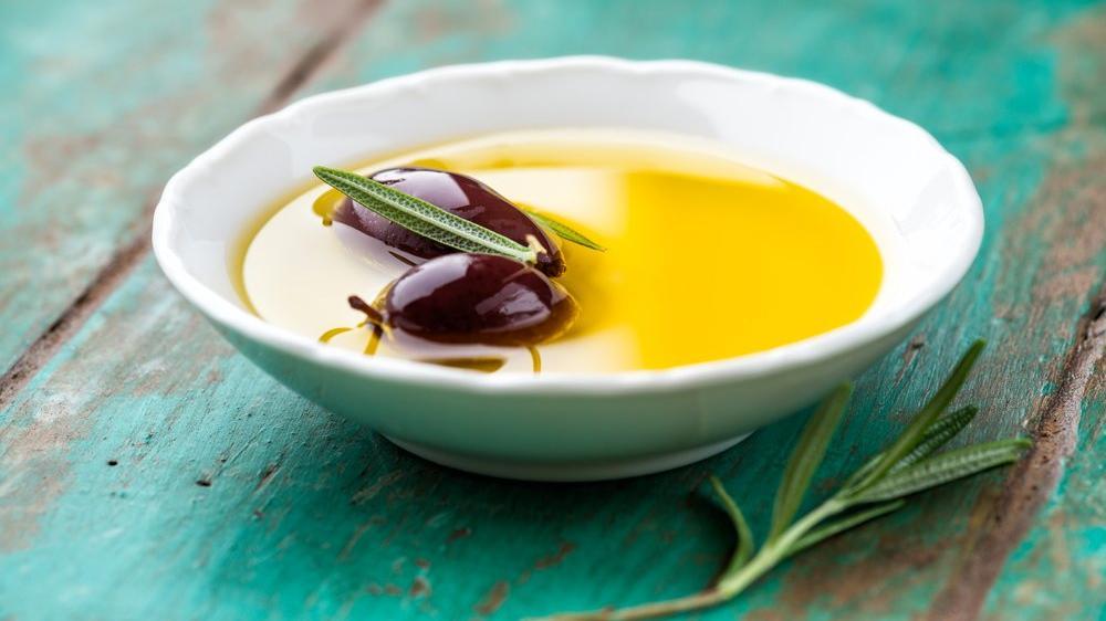Zeytinyağı kaç kalori? Zeytinyağının besin değerleri ve kalorisi...