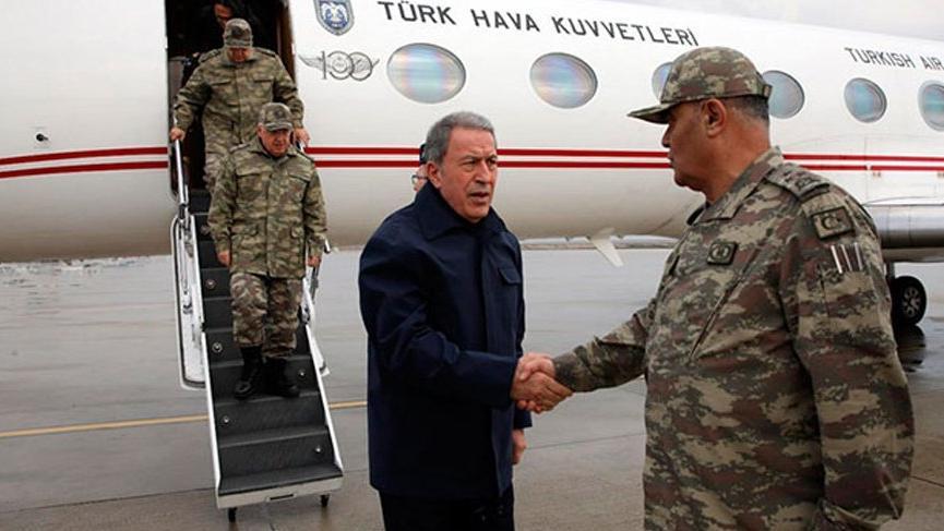Bakan Akar'dan sınırın sıfır noktasında Mehmetçiğe mesaj!