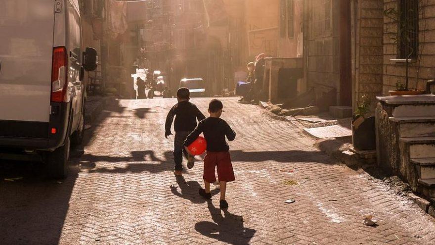 İBB, İstanbul'da çocuk yoksulluğunu araştırdı
