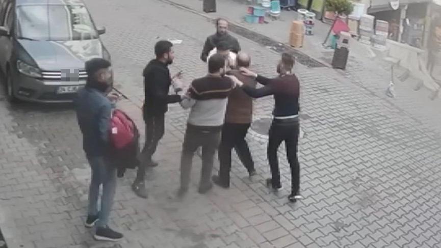 Suriyeliler birbirine girdi! O anlar kamerada