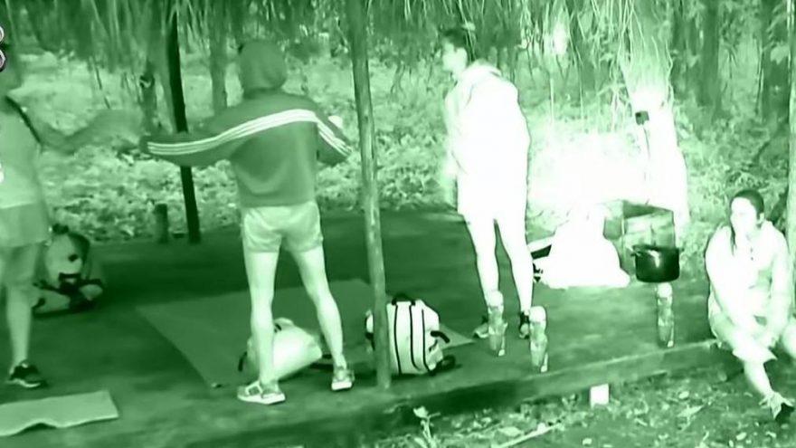 Survivor'da Ünlüler takımı karıştı! Derya ile Aycan arasında küfürlü tartışma!