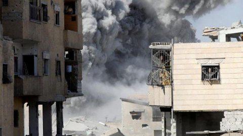 Rejim güçleri Halep'i bombaladı!